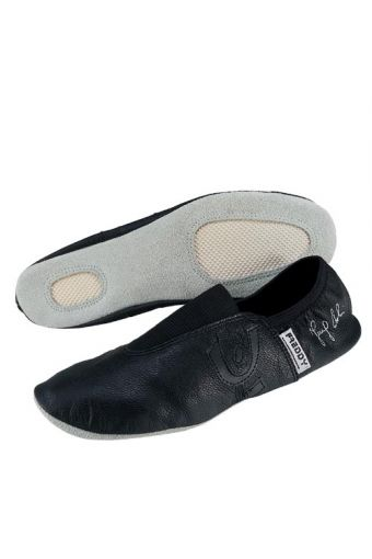 Artistic gymnastics shoes in leather