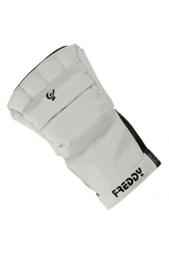 Women's patent-effect cardio boxing gloves