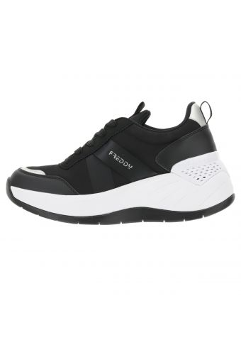 Women's sneakers with wedge and Skinair® technology