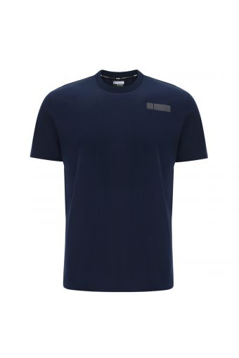 Basic stretch t-shirt with a print on the back hip