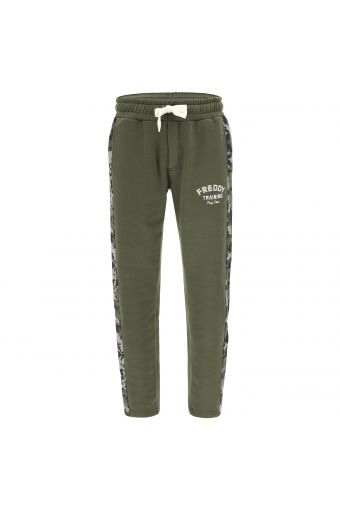 Athletic trousers with lateral camouflage bands