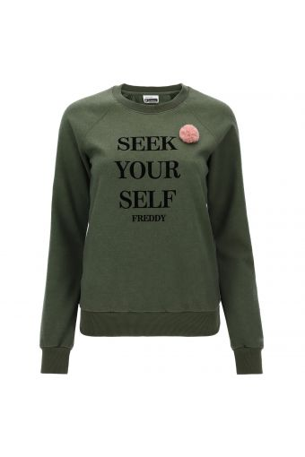Crew neck sweatshirt with lettering and a pompom