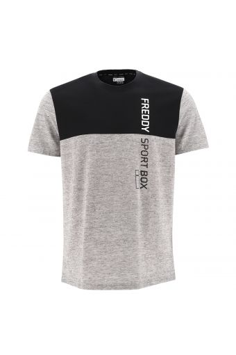 Black and melange grey t-shirt with a vertical FREDDY SPORT BOX print
