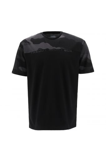T-shirt with camouflage fabric on the yoke and sleeves