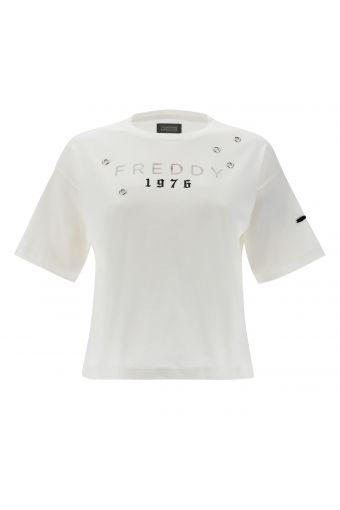 T-shirt comfort con stampa Freddy 1976 e anelli in metallo