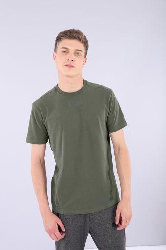 Camiseta en tejido de punto elástico con bandas tono sobre tono