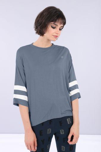 T-shirt comfort manica 3/4 in viscosa con bande a contrasto