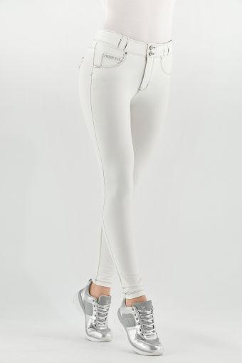 N.O.W.® Pants in Weiß mit unsichtbaren Schlaufen