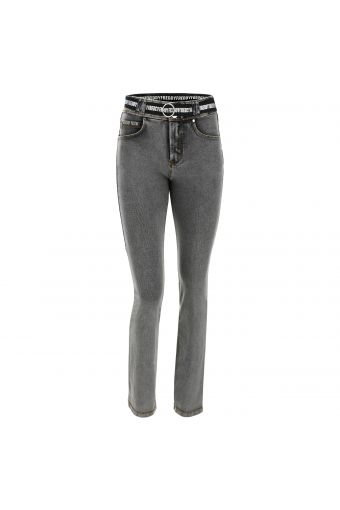 Hose N.O.W.® Pants aus hellem Denim-Stoff mit Slim-Fit-Passform  und geradem Saum