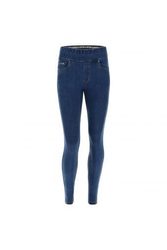 N.O.W.® Pants Yoga mit mittlerem Taillenbund aus hellem Tencel-Denim