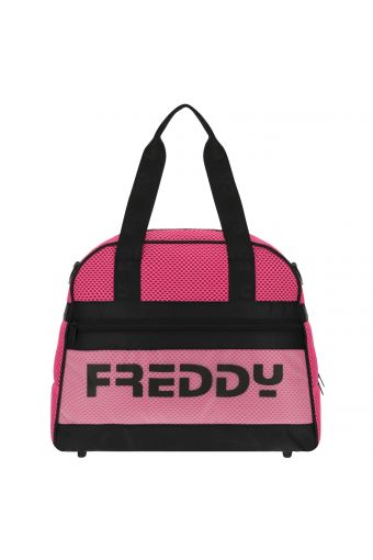 Structured mesh duffle bag with reinforced edges