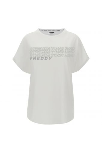 Comfort fit t-shirt with ample sleeves and a reflective print