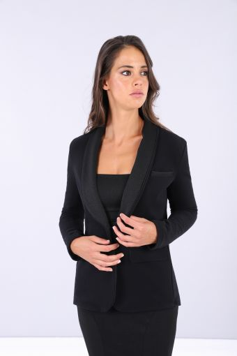 Black blazer with a single button fastening
