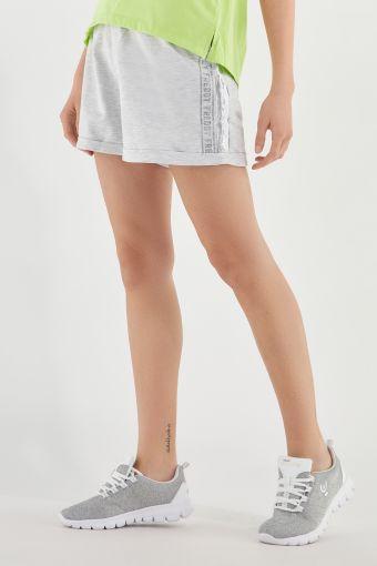 Shorts jaspeados con estampado de glitter y banda de lentejuelas