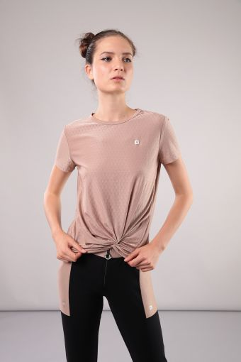 T-shirt with a twisted hem ideal for yoga 100% Made in Italy