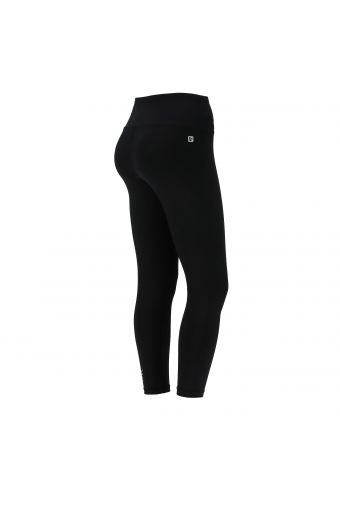 High waist ankle-length SuperFit leggings with a lateral Freddy print
