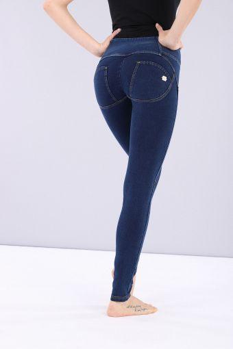 Pantalón WR.UP® pitillo de talle mediano y largo estándar de denim elástico