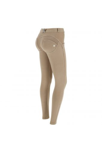 Pantalone WR.UP® skinny vita e lunghezza regular effetto vissuto