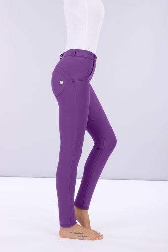 Lustrous sculpting WR.UP® trousers