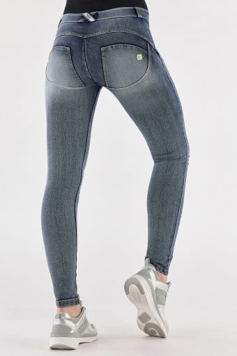 Shaping WR.UP® skinny jeans in used-look denim