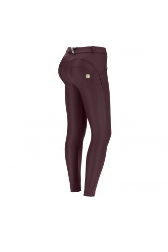 Regular-waist ankle-length superskinny WR.UP® trousers in faux leather – Special Edition