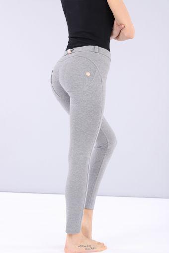 Pantalón WR.UP® 7/8 pitillo de talle regular de algodón elástico