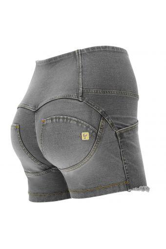 High waist WR.UP® jean shorts with a frayed hem