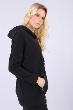 Chaquetón comfort negro con cremallera y bolsillos jacquard y capucha