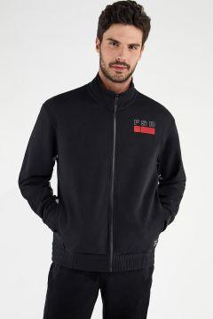 Leichtes Sweatshirt mit hohem Kragen und Reißverschluss mit Aufdruck auf dem Innenärmel