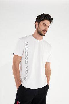 Komfort-T-Shirt mit vertikalem Aufdruck im Relief