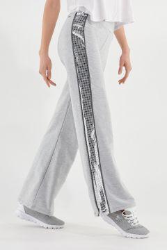 Flared-Hose in Melangegrau mit seitlichen Metallic-Streifen