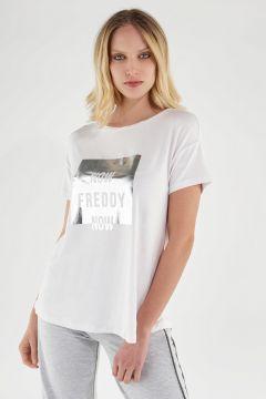 Camiseta cómoda blanca con estampado plateado FREDDY NOW