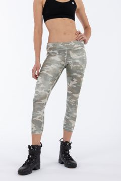 Women's ankle-length SuperFit fitness leggings in D.I.W.O.® fabric with a camouflage print